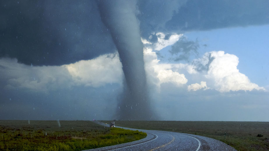Road safety in a tornado
